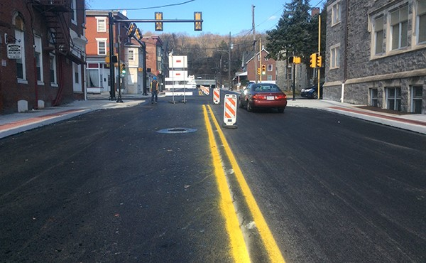 Temporary line striping on 3rd Avenue (November 2017)