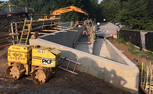 Placing concrete at westbound ramp slab (August 2018)