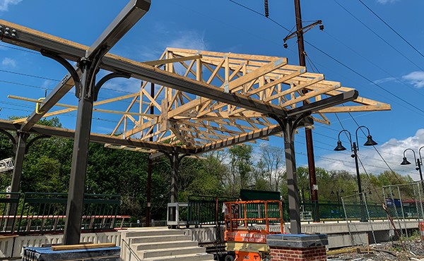 Roof trusses for canopy at station building (April 2019)