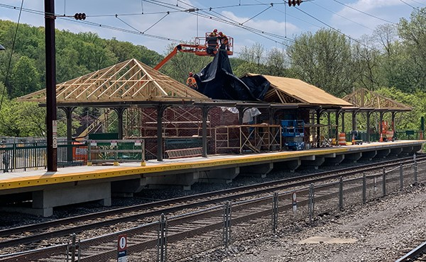 Canopy roof in progress at station building (April 2019)