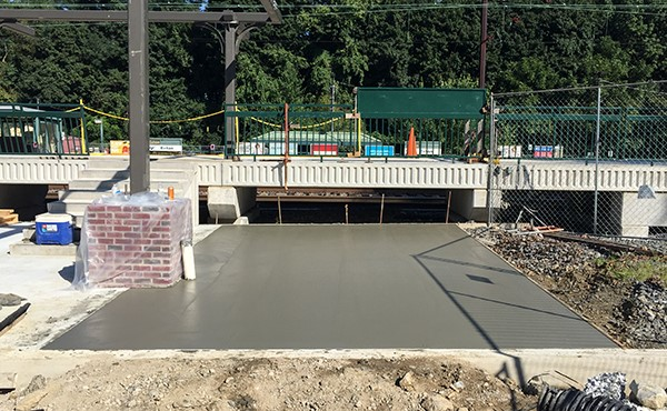 Finished concrete at eastbound sidewalk plaza (September 2018)