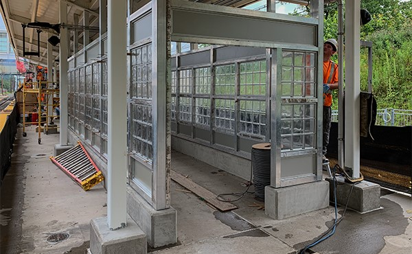 Glass block installation at center platform shelter (July 2019)